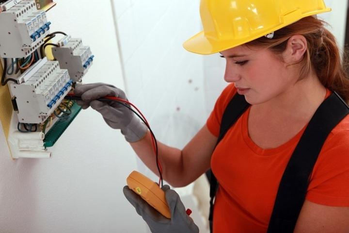 Qualities Required While Hiring A Qualified Electrician